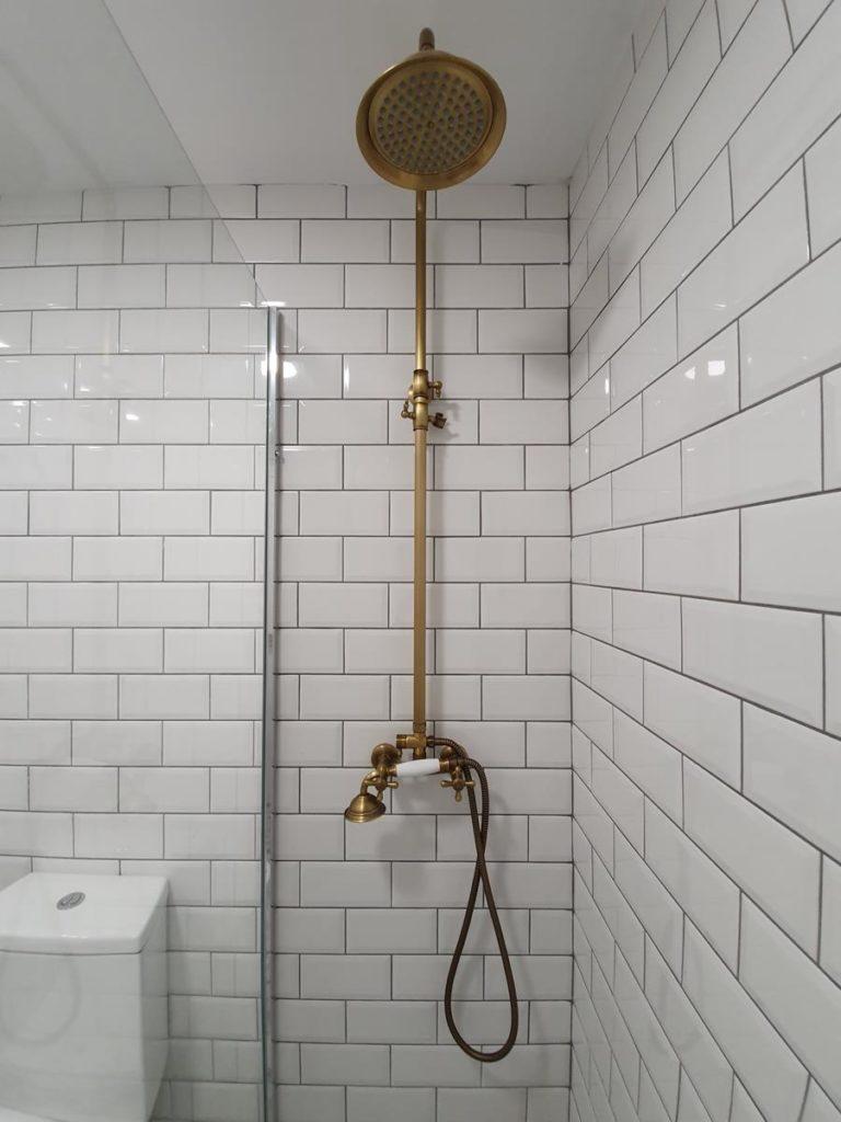 Jak dobierać kabiny prysznicowe do małych łazienek
