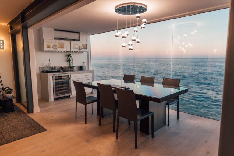W ten sposób najlepiej wykorzystać przestrzeń w małym salonie