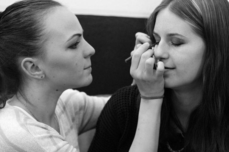 Kosmetyczka – czy warto się kształcić w tym kierunku?