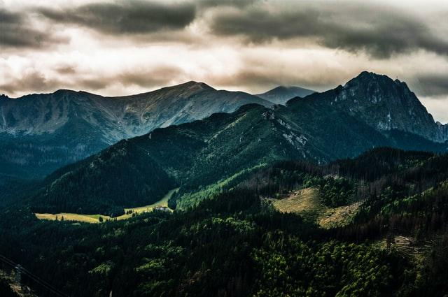 Gdzie zarezerwować domki w górach?