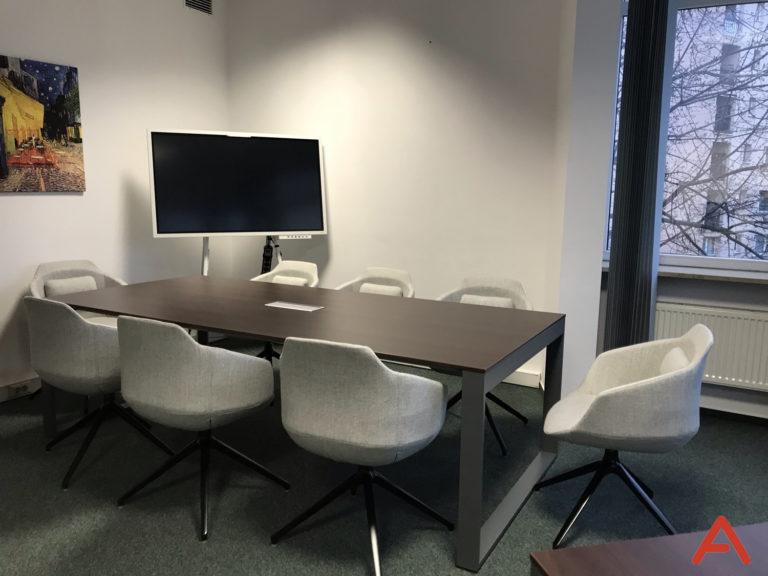 Umeblowanie pomieszczeń konferencyjnych i szkoleniowych
