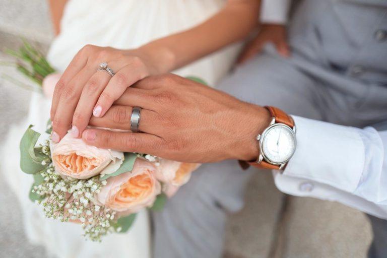 Pielęgnacja obrączek ślubnych – jak to robić?