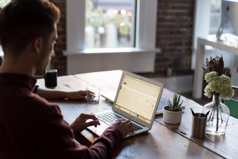 Korzystaj z tych najważniejszych wskazówek dotyczących skutecznego marketingu internetowego