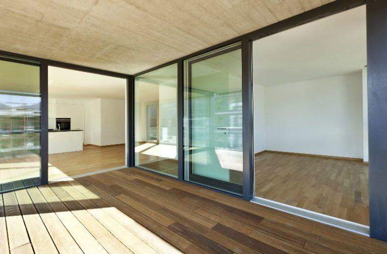 Rodzaje okien i drzwi dla domu i mieszkania